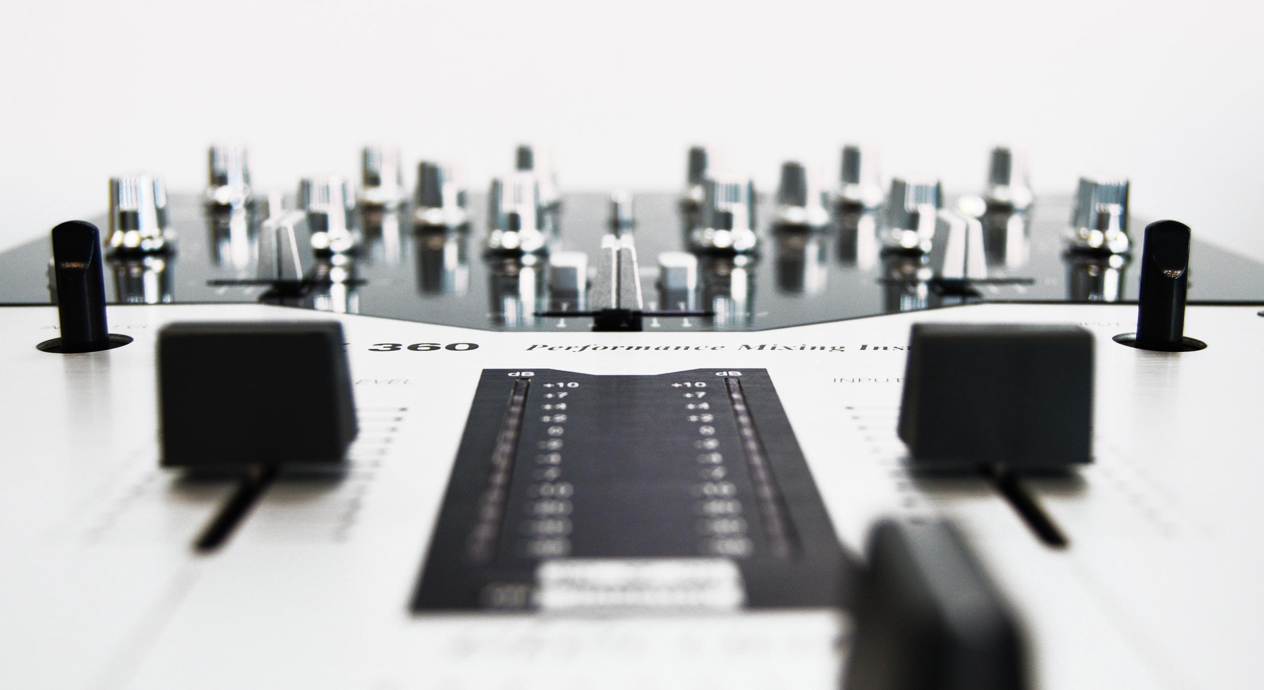 Ecler HAK 360 Professional Dj Mixer